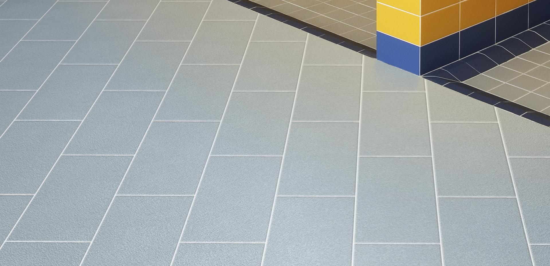 Flooring 40 R10
